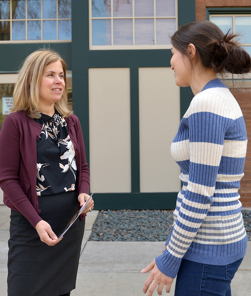 Dr. Laura Molgaard chats with Gigi Gutierrez, class of 2020.
